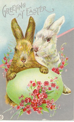 free-vintage-printable-greeting-cards-easter-bunnies-with-green-easter-egg-and-pink-flowers
